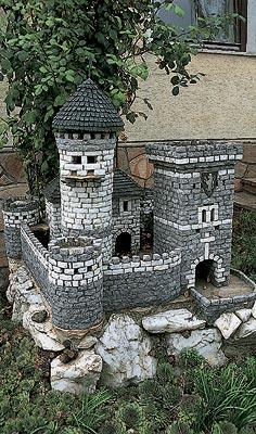Замок из камней для сада своими руками фото
