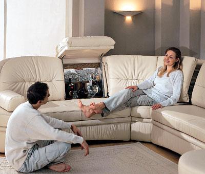 Он сидя на диване она сверху картинки фото 291-261