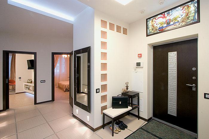 оформление входной двери со стороны коридора