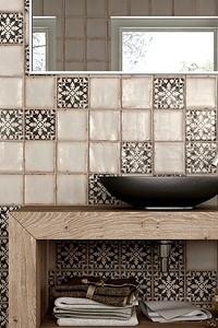 4 самых популярных вида раскладки плитки в ванной: как и когда их использовать?