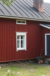 Краски для оцинкованной крыши: как правильно их выбрать и нанести