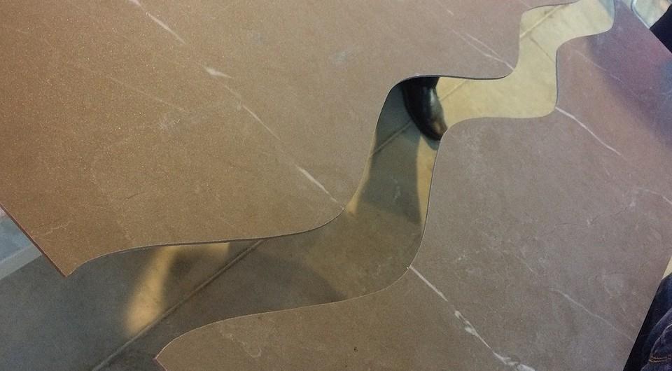 Изогнутый разрез на керамогра&#...