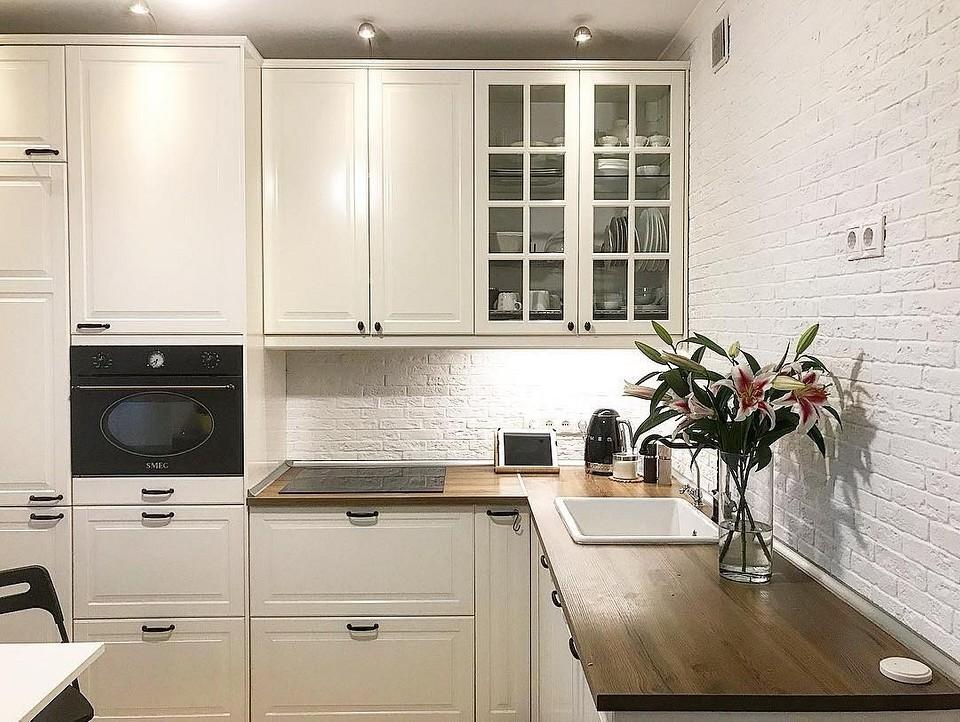 Встроенная раковина в кухне