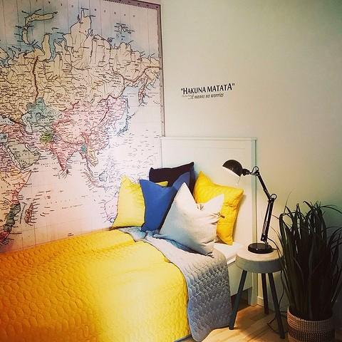 Дизайн спальни с фотообоями: советы по оформлению комнаты и 50 интерьерных решений