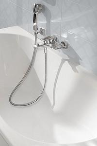 Почему вам стоит выбрать акриловую ванну и как это сделать