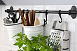 Рейлинги для кухни: идеи полезного применения и 40+ примеров