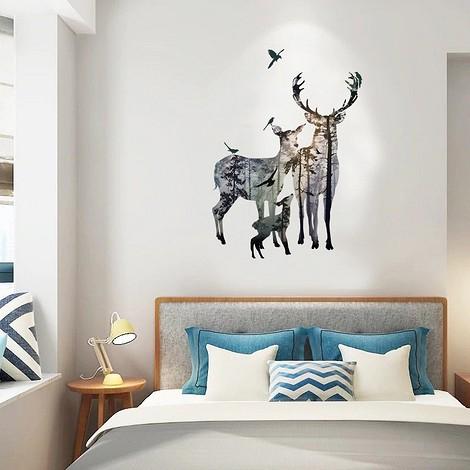 Декоративная наклейка с оленями