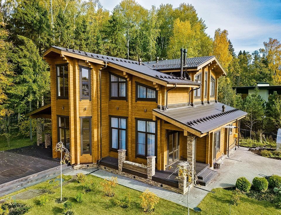 Строительство дома из клееного бруса: сколько времени и денег это потребует