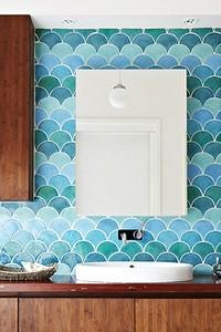 Как оформить акцентную стену в ванной: 14 стильных идей
