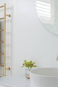 12 красивых полотенцесушителей для идеальной ванной комнаты