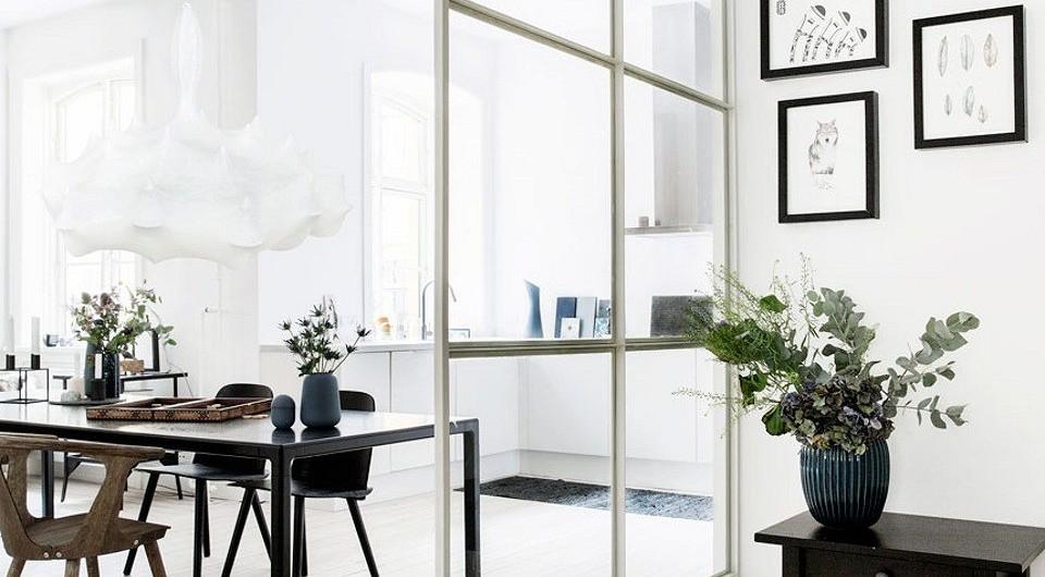 8 стильных интерьеров со стеклянной перегородкой