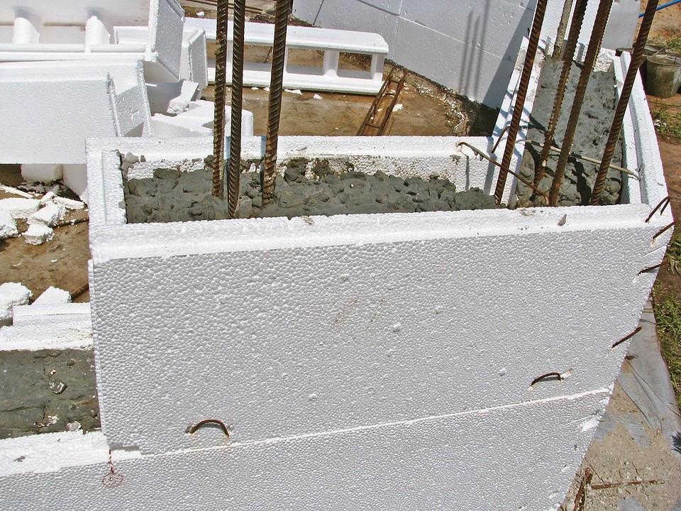 Термоблоки защищают бетон от б&...