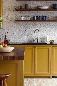 Долой белый и серый: 25+ потрясающих кухонь с цветными фасадами