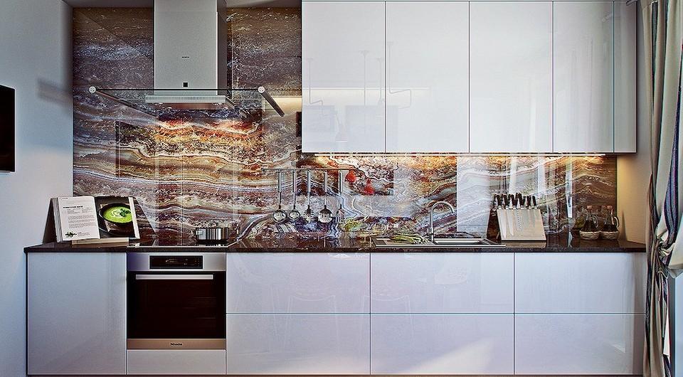 Двушка в морском стиле, в которой центром притяжения стали кухня и лоджия