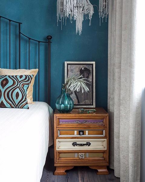 Например, в этой спальне цвет ак...