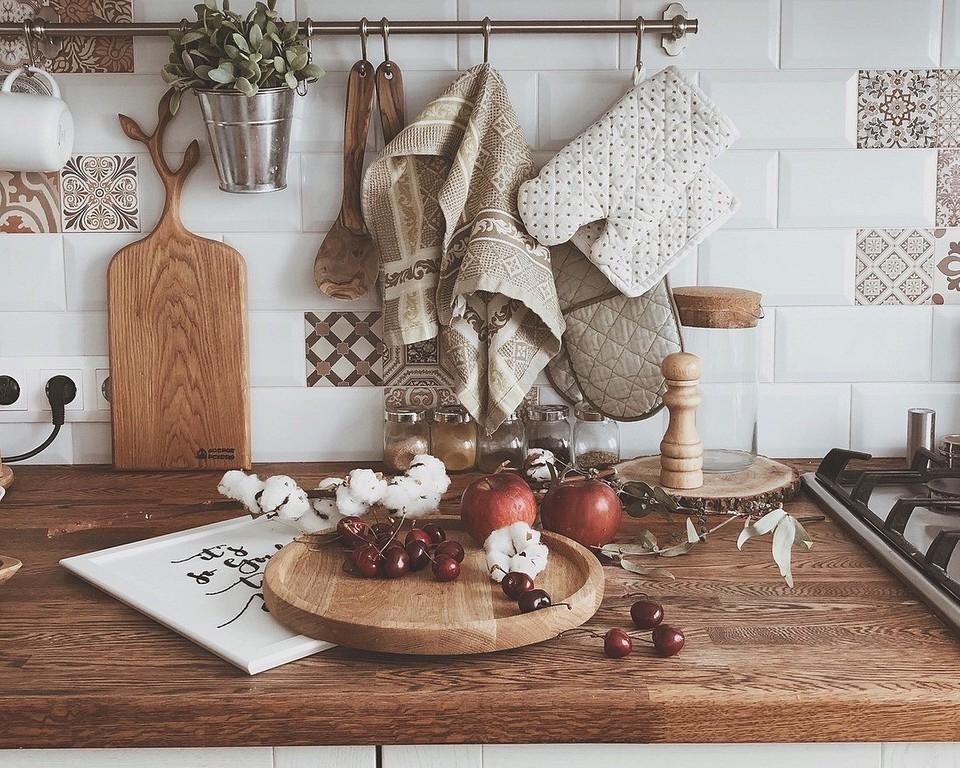 Масло или лак: что выбрать для деревянной столешницы
