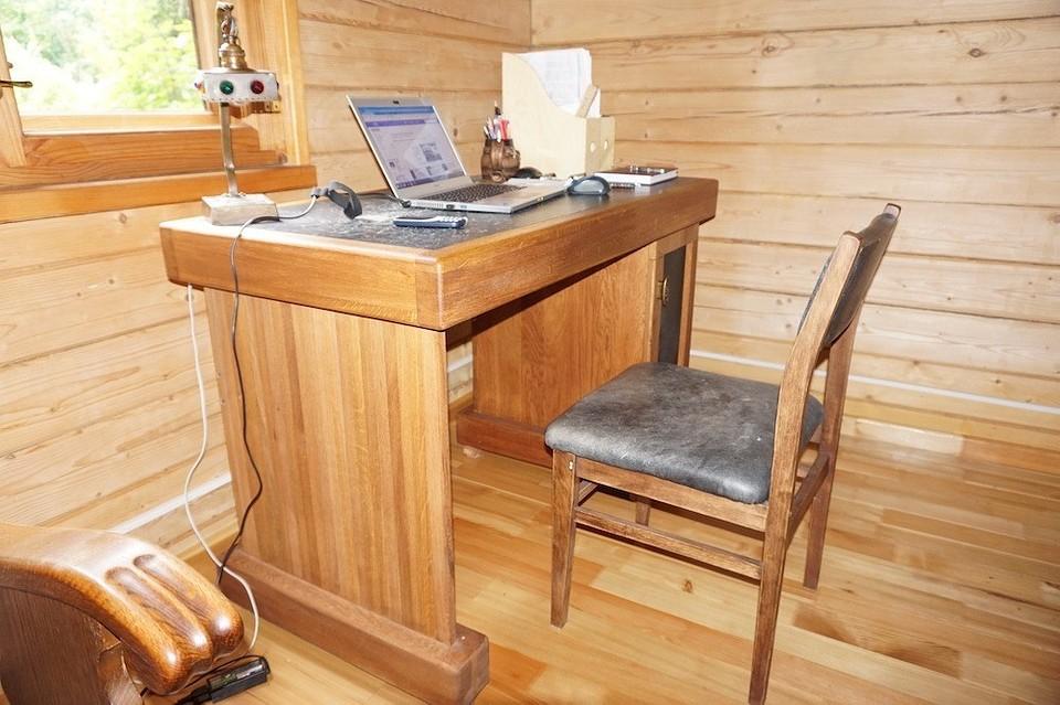 Дубовый стол из мебельных щито&...