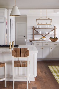 Как оформить интерьер кухни с мойкой у окна: полезные советы и 58 фото