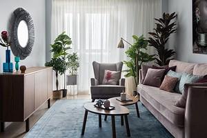Романтичный интерьер евродвушки с мебелью ИКЕА и индивидуальными деталями