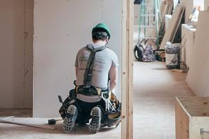 Как выбрать бригаду для ремонта квартиры: 4 ответа на важные вопросы