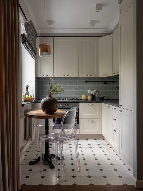 Верхние шкафы в кухне специаль&...
