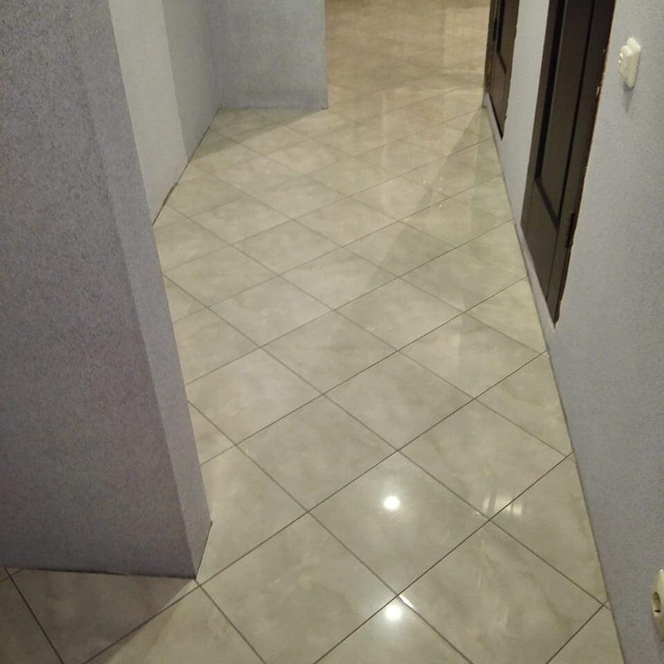наглядная фото укладка кафеля в коридоре сколько