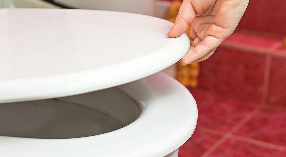 Почему ломается микролифт унитаза и как его починить