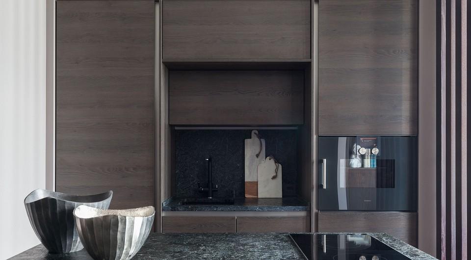Кухонные модули встроены в ниш&...