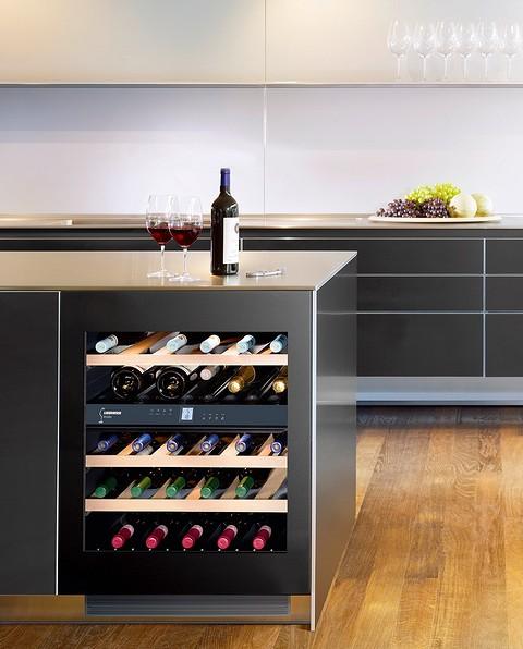 В винных шкафах используются б&...