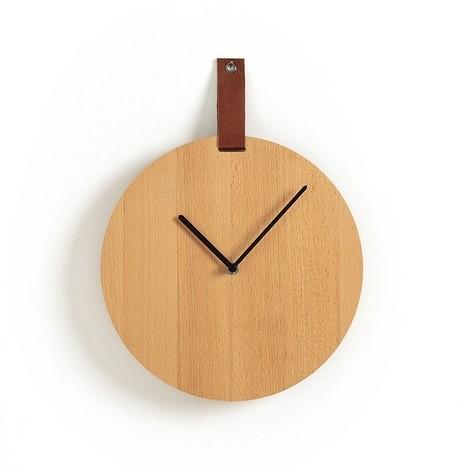 Настенные часы из дерева и кожи
