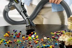 Встроенный пылесос: что это такое и как он облегчит уборку