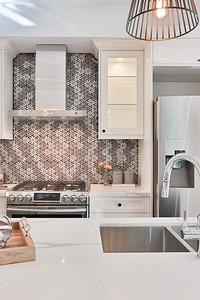 Как крепить стеновую панель на кухне: инструкции, советы и видео