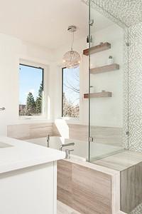 Как убрать плесень в ванной: самые эффективные способы