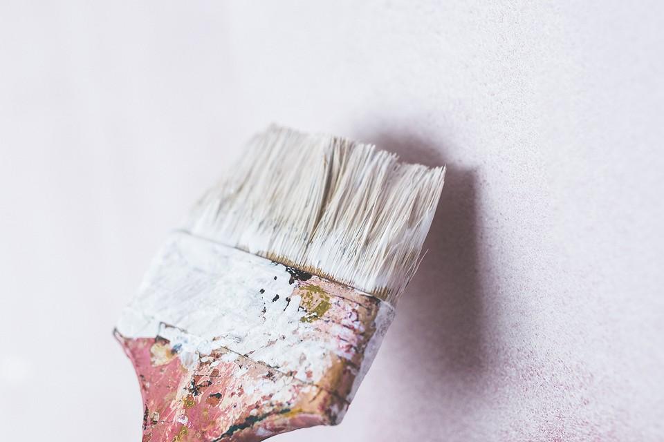 Как избавиться от запаха краски в квартире после и в процессе ремонта