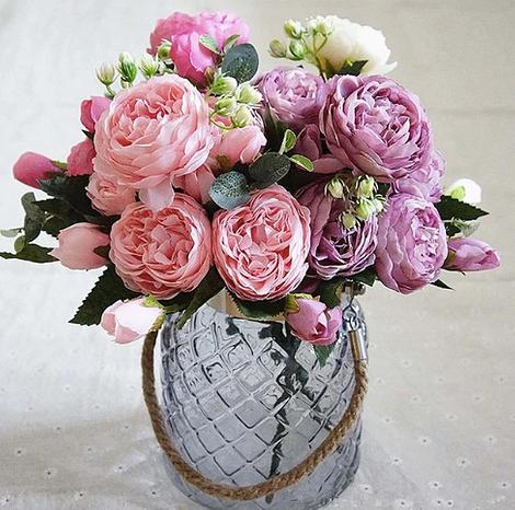 Искусственный букет цветов