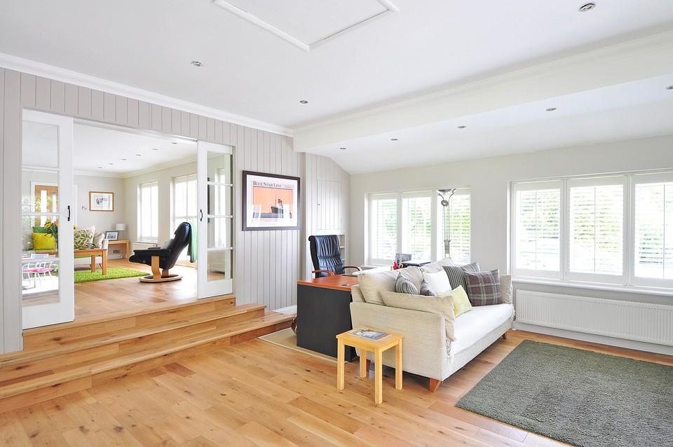 Потолок в гостиной: варианты дизайна и фотоидеи для вдохновения