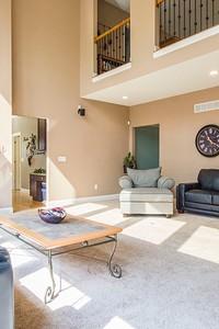 Создаем нескучный интерьер гостиной в бежевых тонах: дизайн-хаки и лучшие цветовые сочетания