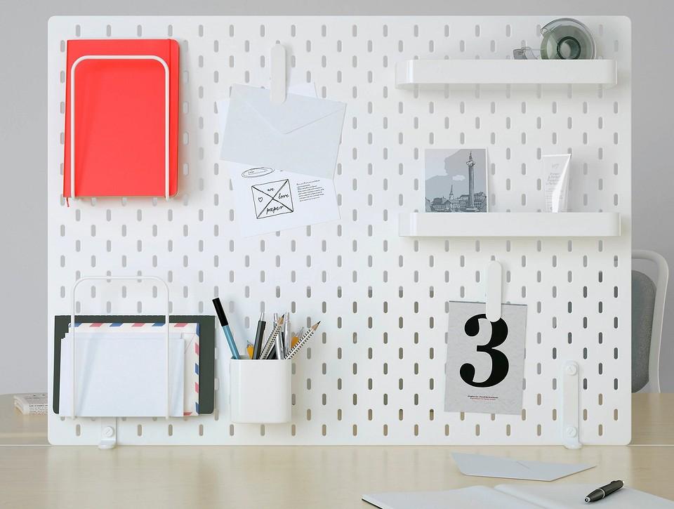Пегборд в интерьере: 19 способов оригинально использовать перфорированную доску