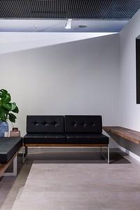 Дизайн гостиной в стиле хай-тек: как сделать его более уютным?