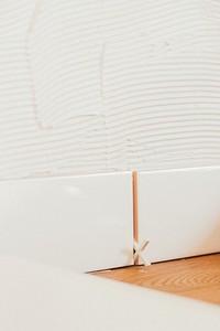 Как класть плитку в ванной: весь процесс от подготовки поверхности до затирки швов