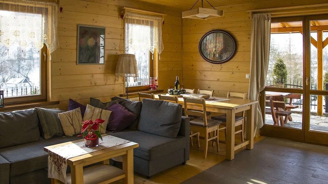 Кухня на даче в деревянном доме дизайн