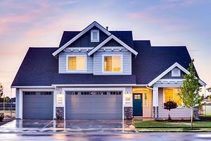 Как украсить фасад дома с помощью отделки и декора: 15 стильных вариантов
