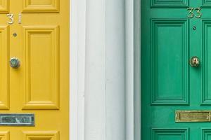Что делать, если соседи шумят ночью: 5 возможных решений проблемы
