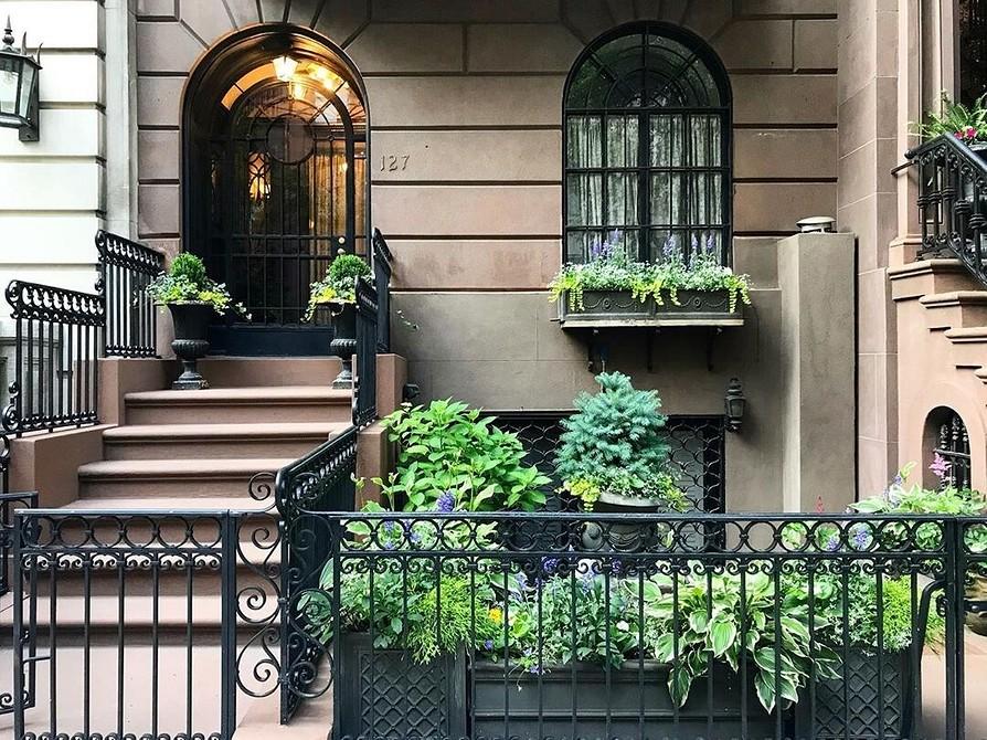 Как украсить палисадник перед домом: оформляем своими руками