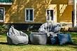 13 предметов садовой мебели для маленького участка