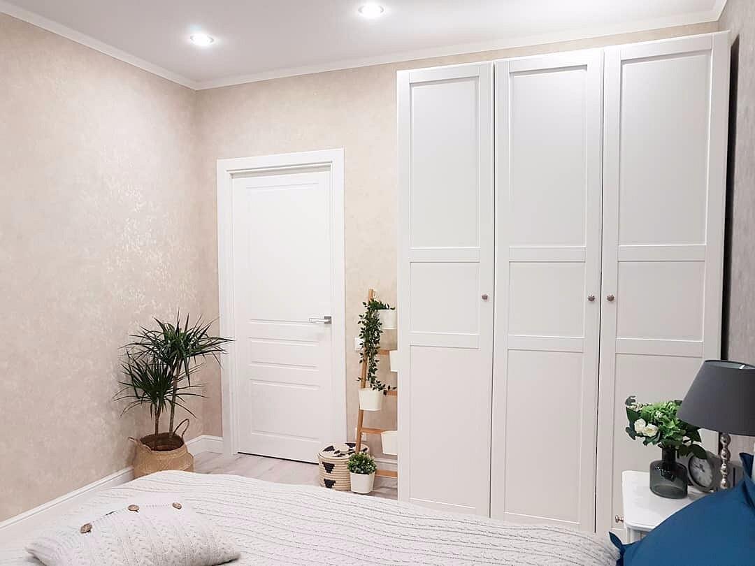 себя белые двери в интерьере квартиры фото этом сезоне