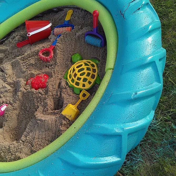 Сделай песочницу на даче своими руками — фото и инструкция