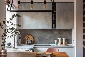Хранение в маленькой ванной, бюджетные находки для кухни и самые грязные места в квартире: 10 лучших статей июля