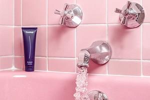 6 вещей, которые заставляют вашу ванную выглядеть грязной (хотя это не так)
