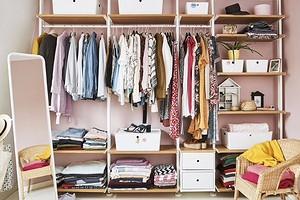 Как навести порядок в шкафу с помощью ИКЕА: 10 предметов до 900 рублей